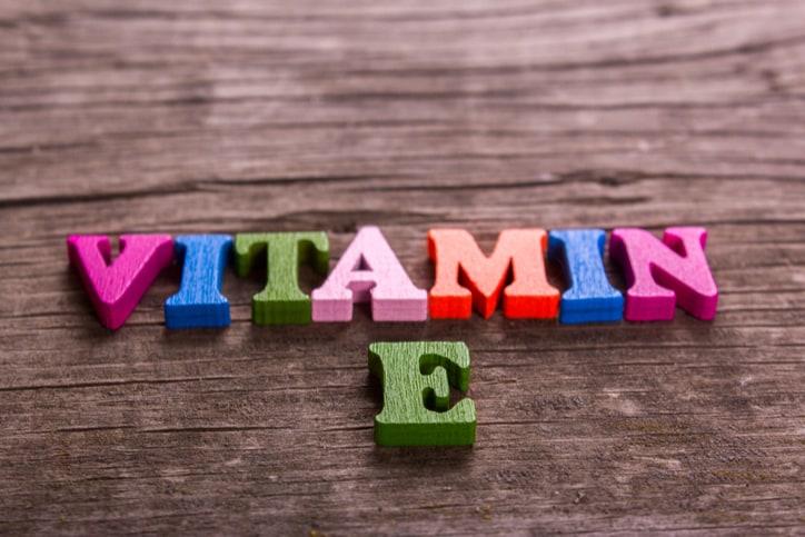 hat-huong-duong-nga-cung-cap-vitamin-e
