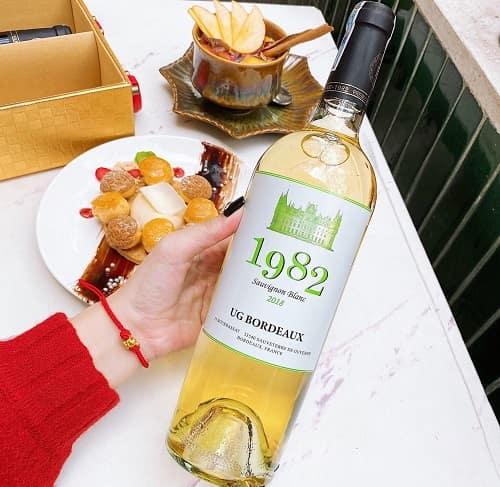 Review set rượu vang 1982 UG Bordeaux của Pháp-4